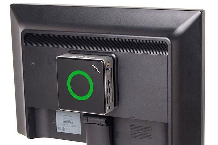 miniPC con soporte VESA tras monitor
