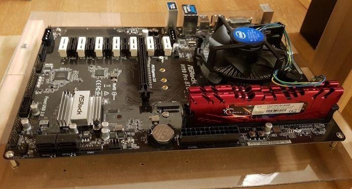 Placa base con RAM y CPU