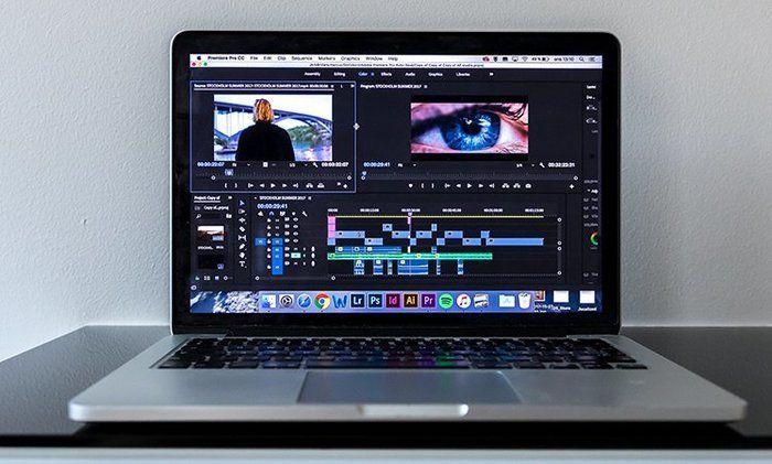 Macbook editando vídeo